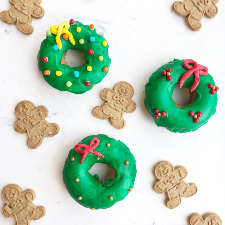baked christmas donuts