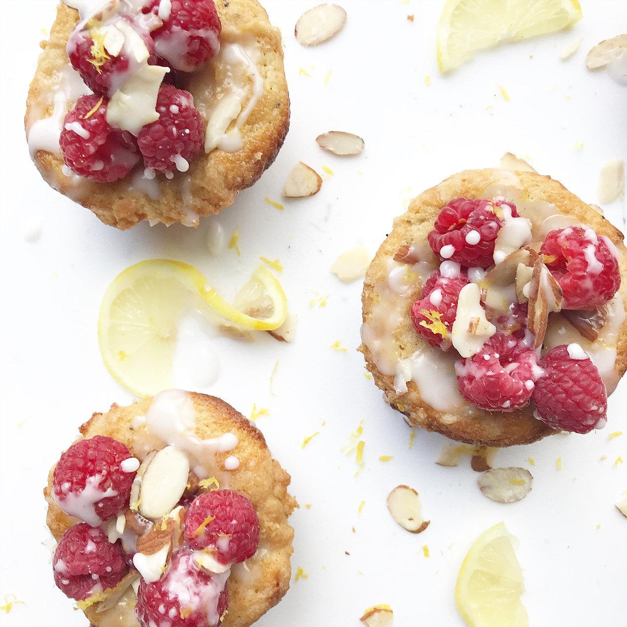 Lemon poppyseed muffins with raspberry