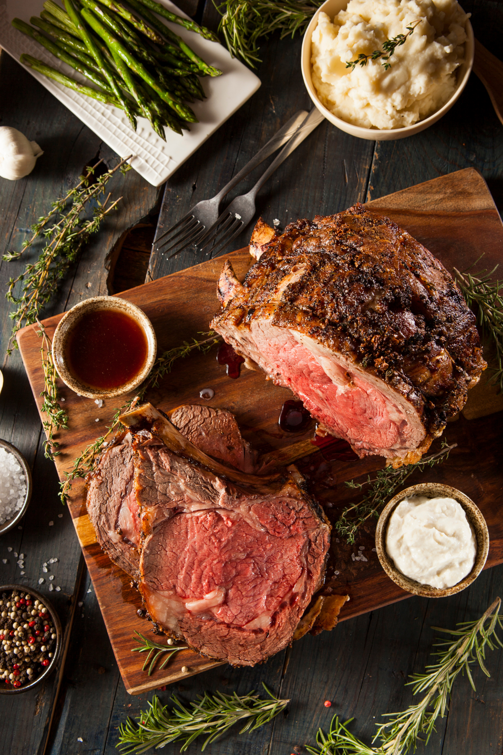 prime rib with au jus and creamed horseradish