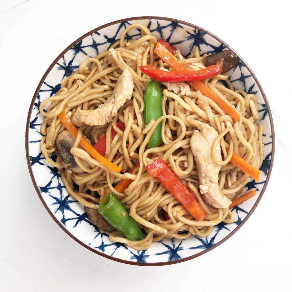 chow mein in bowl