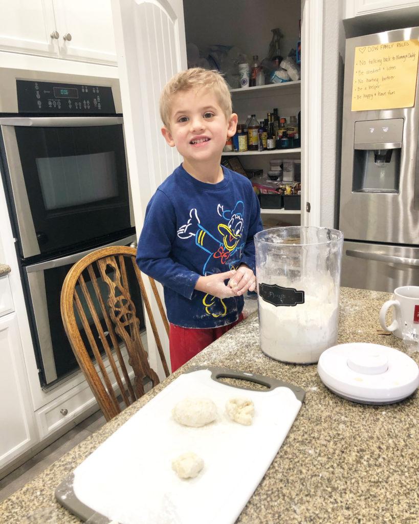Kids making bagels