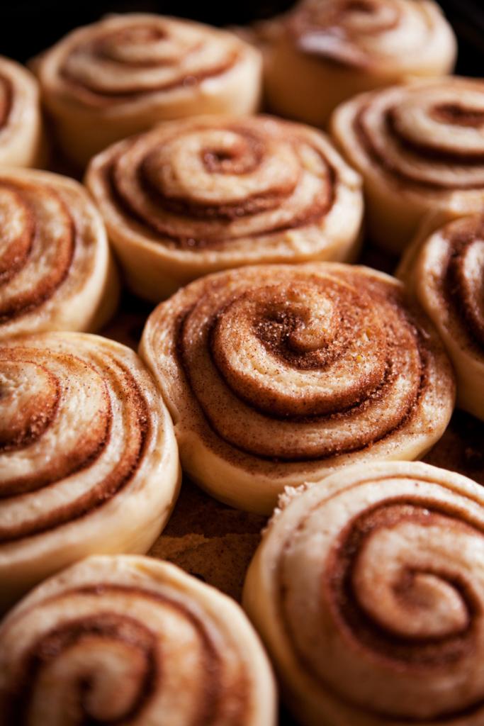 rising cinnamon rolls in pan
