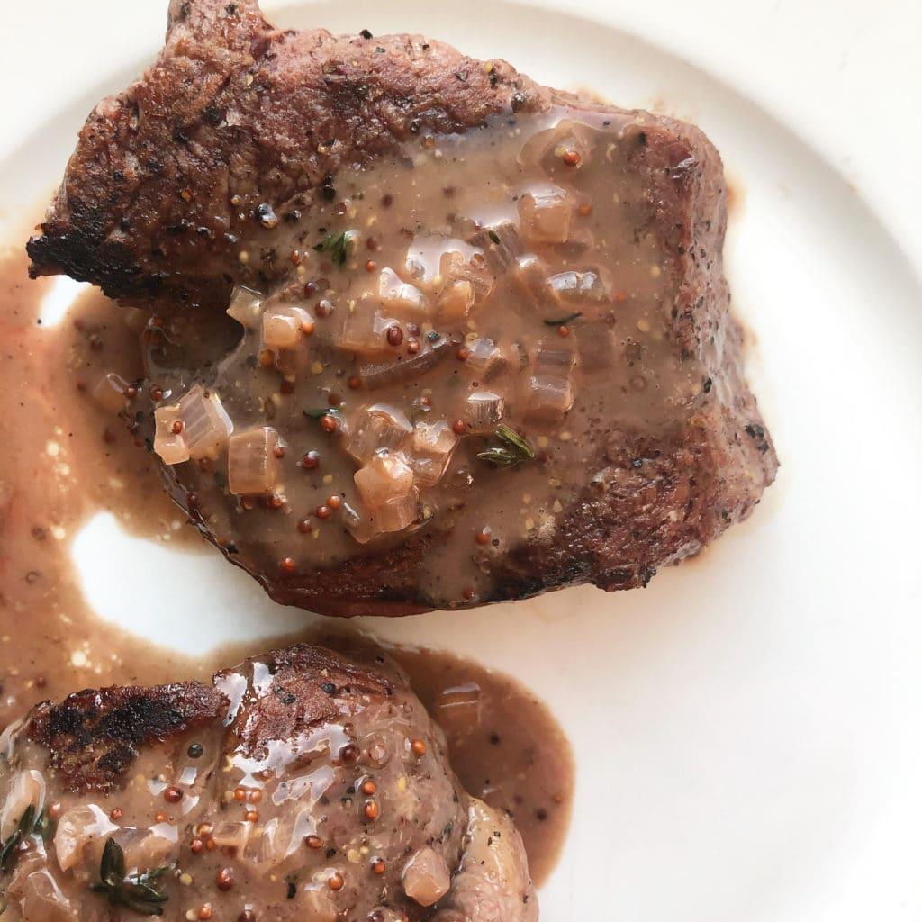 filet mignon with red wine steak sauce